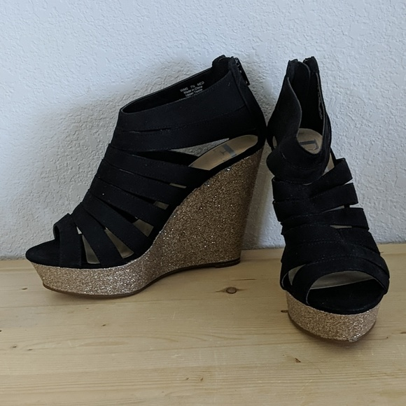 02a85cd1f509 Elle Shoes | Black And Gold Sparkly Wedges | Poshmark